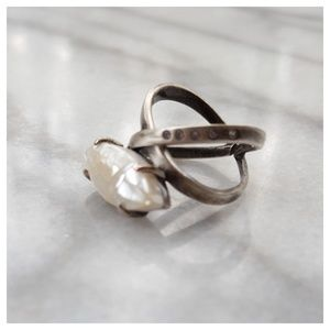 Kendra Scott Rosemary Ring in Crackle Ivory Pearl